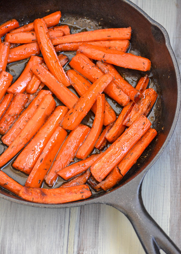 Maple Glazed Thyme Roasted Carrots