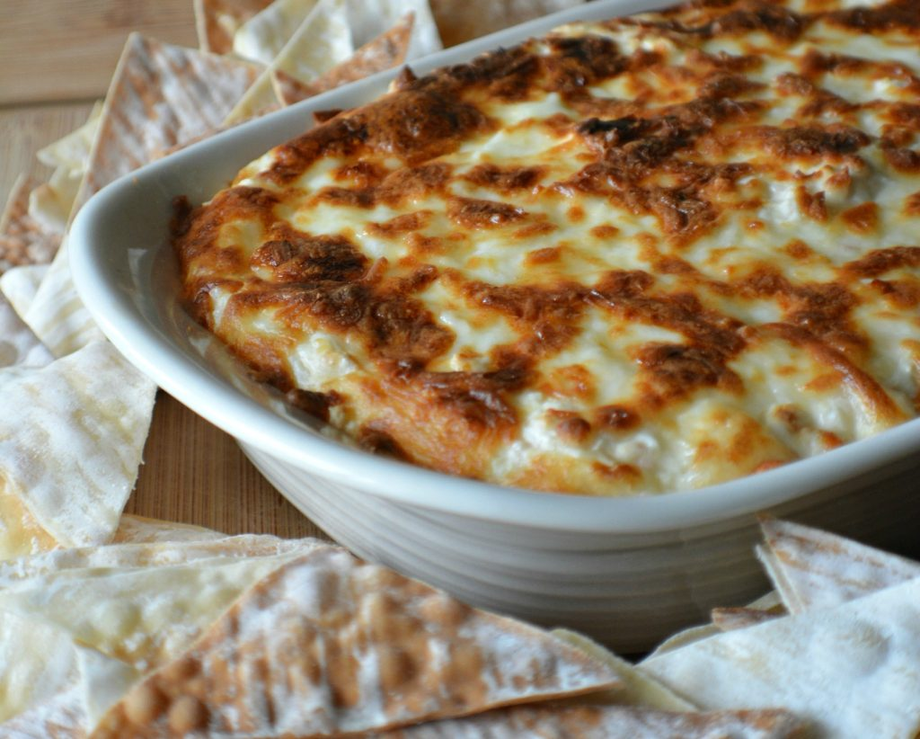 crab-rangoon-dip-with-wonton-chips-clipped