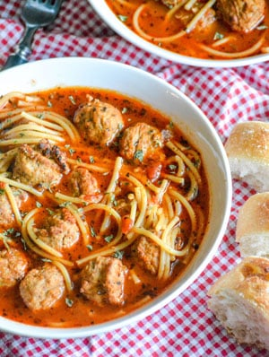 Slow Cooker Spaghetti & Meatballs Soup