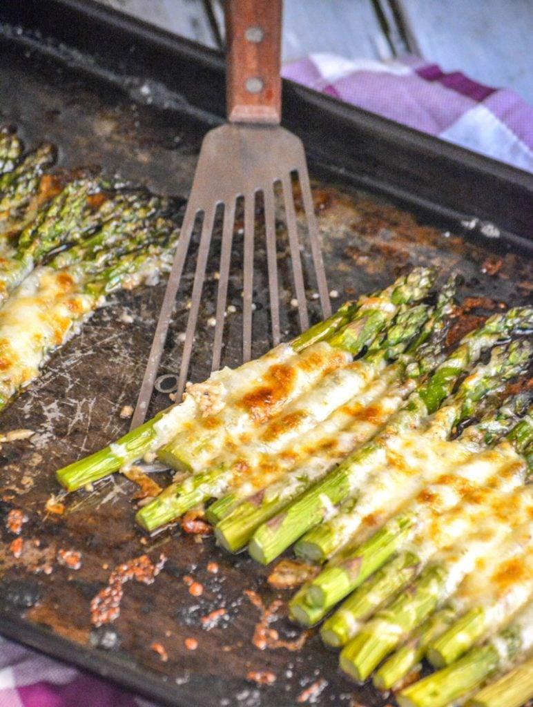 Quick & Easy Garlic Roasted Asparagus