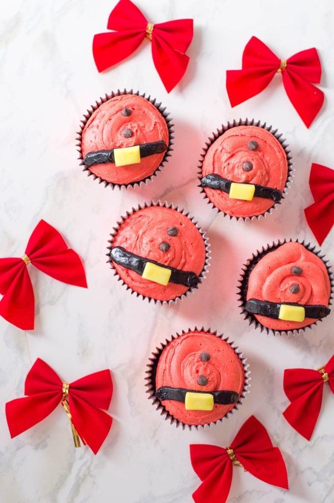 Santa Belt Cupcakes