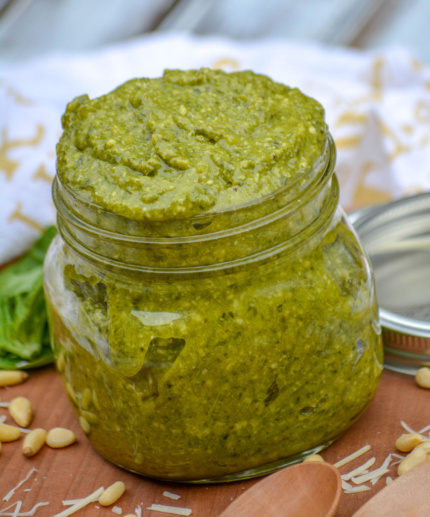 Nonna's Homemade Basil Pesto