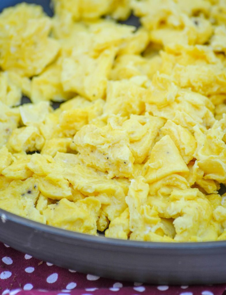 how to make foolproof fluffy scrambled eggs