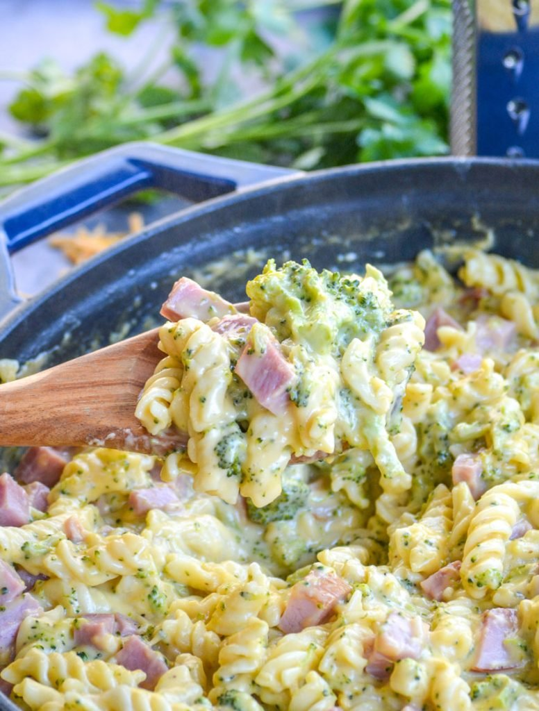 cheesy ham and broccoli pasta