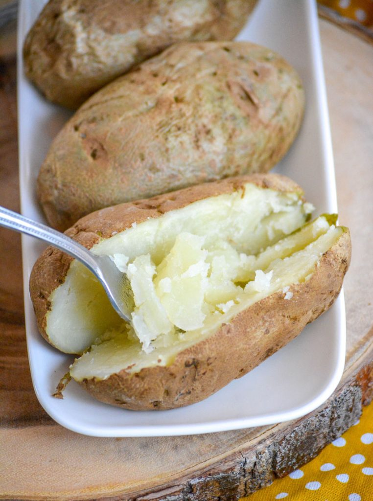 10 Minute Microwave Baked Potatoes - 4 Sons 'R' Us